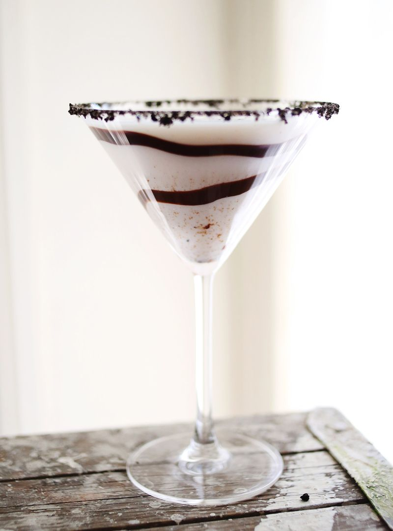 Cookies & Cream Martini recipe www.abeautifulmess.com