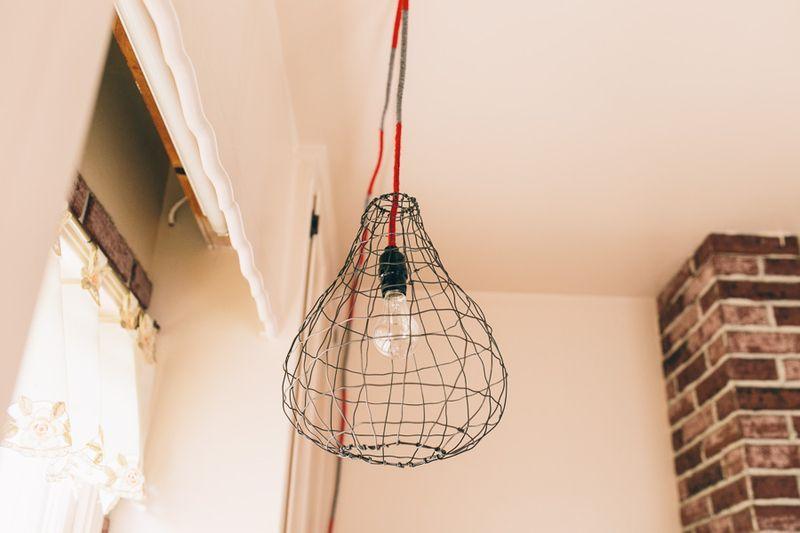 Wire lighting fixture