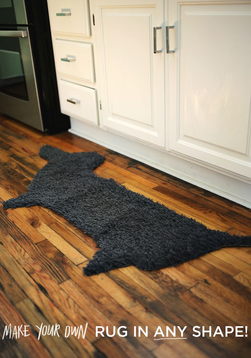 Make your own rug in ANY shape! www.abeautifulmess.com