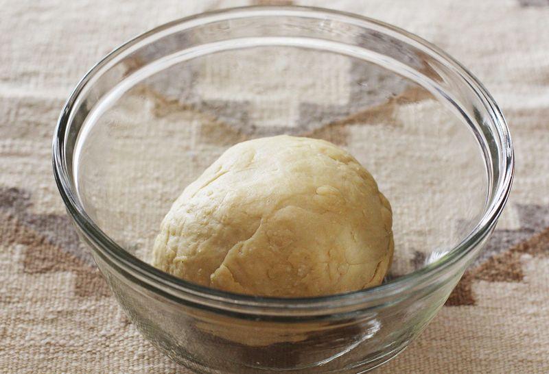 Egg bagel dough before it rises