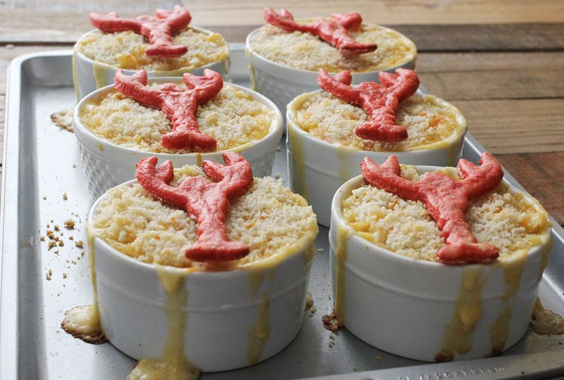Easy lobster mac and cheese abeautifulmess.com