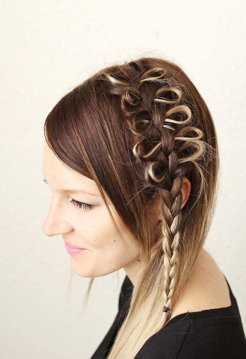 Beautiful bow hair tutorial (click through for video)