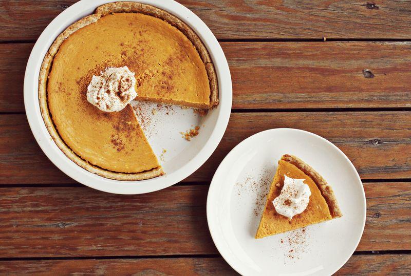Mascarpone Pumpkin Pie abeautifulmess.com