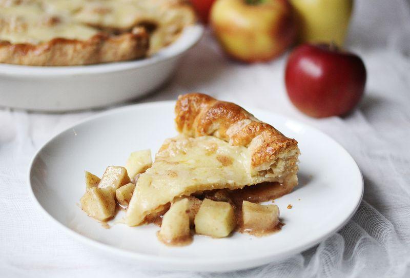 Cheesy apple pie