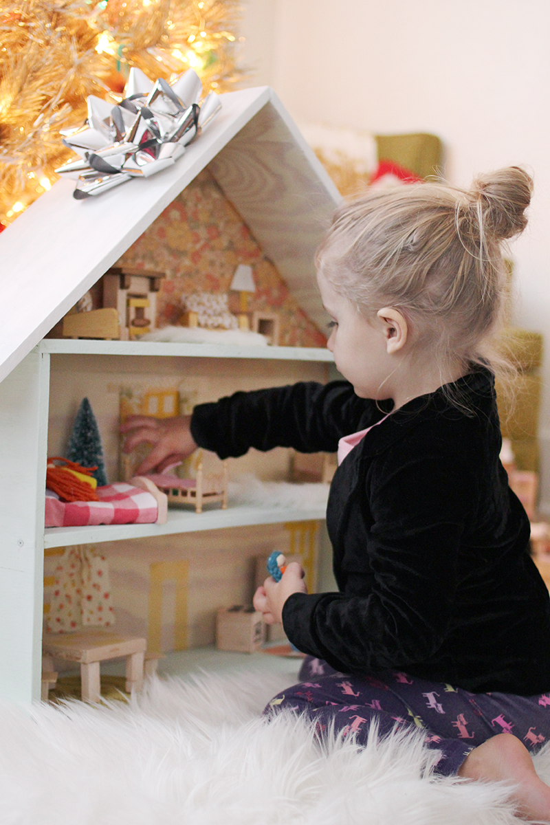 Sweet Dollhouse DIY