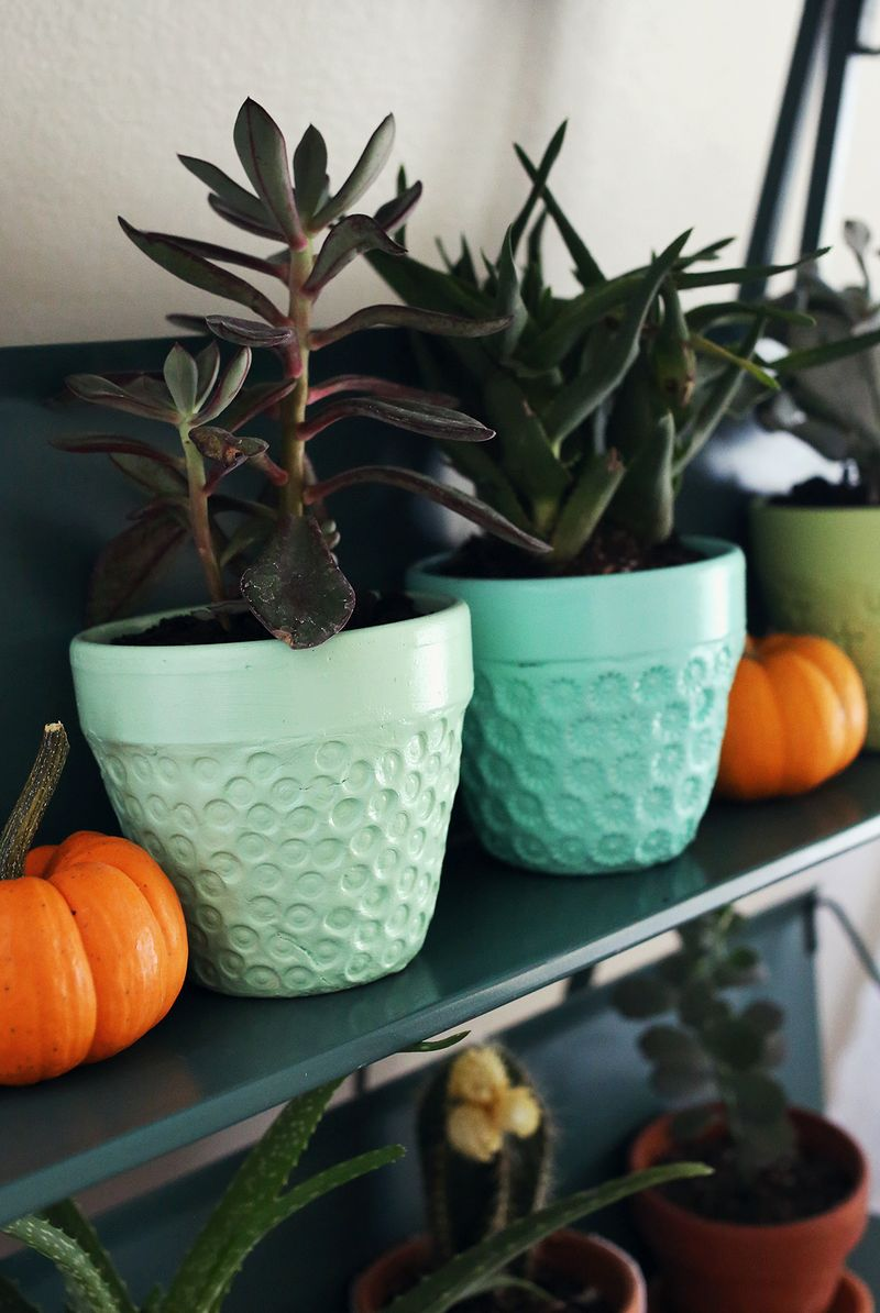 Textured pot for plants