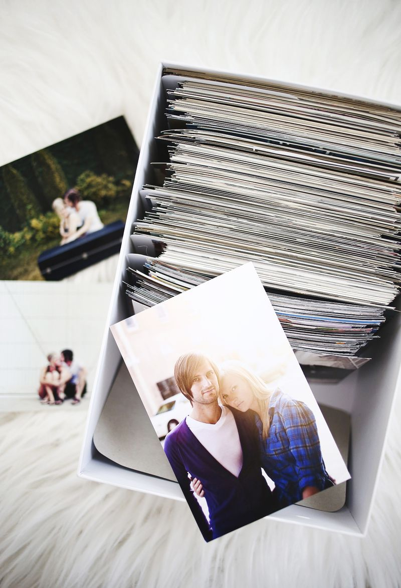 Tips for Organizing and Storing Photos (via abeautifulmess.com )