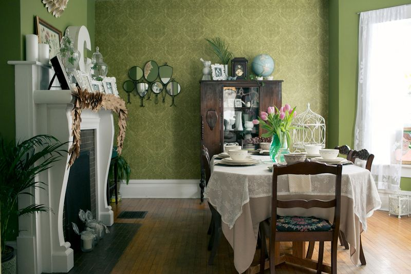 Lovely victorian dining room