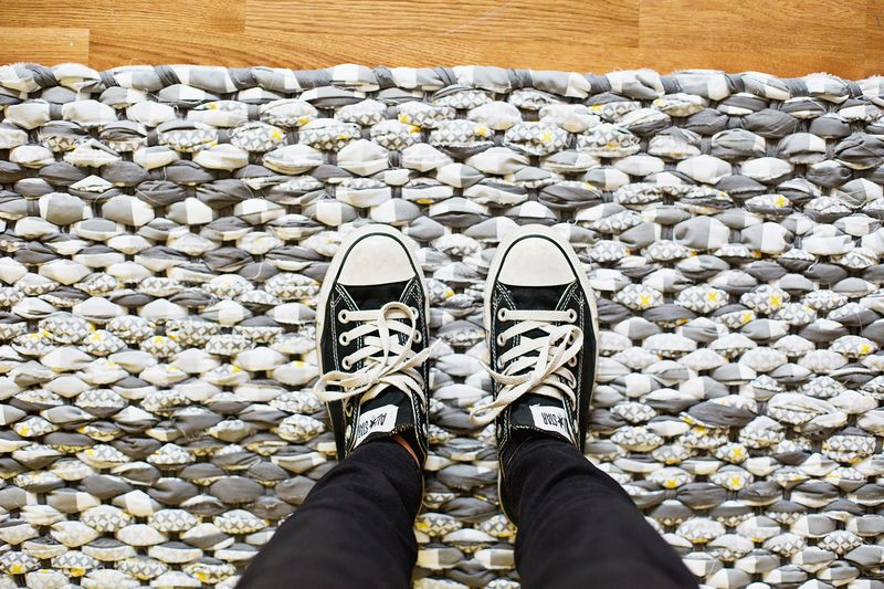 Make Your Own Woven Rag Rug abeautifulmess.com