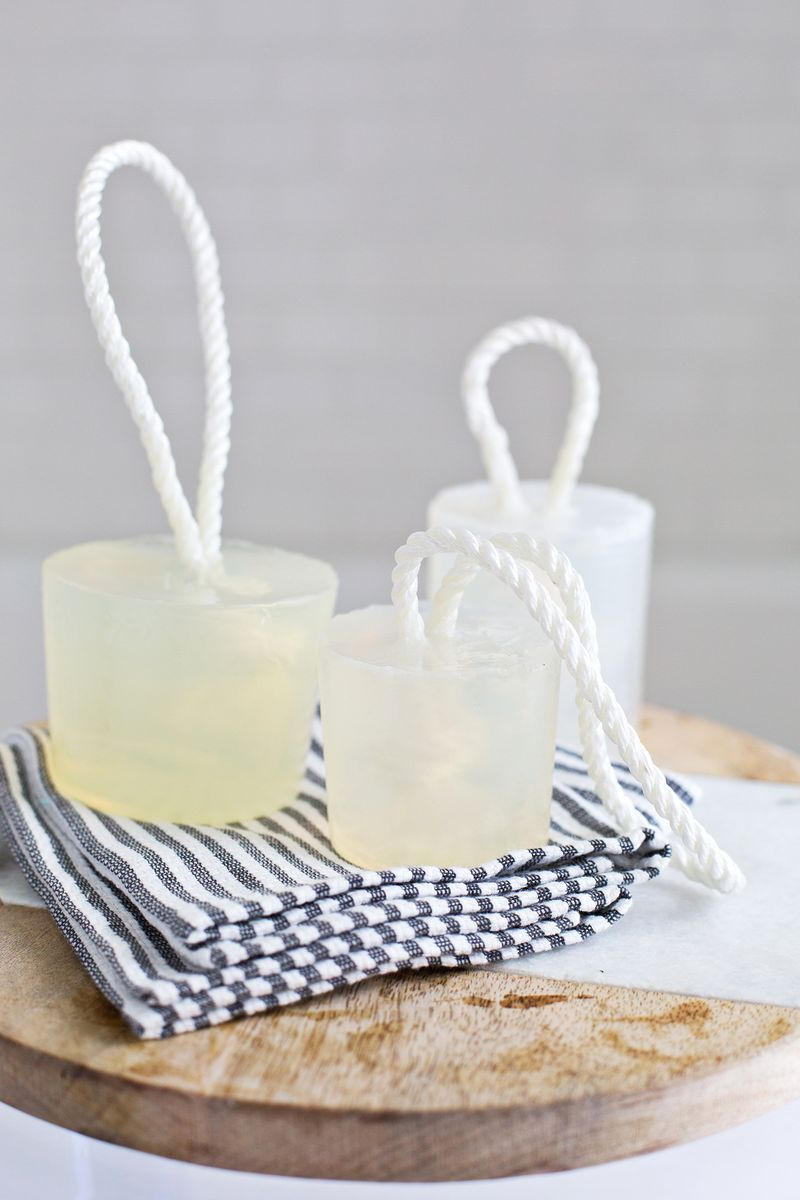 Make your own soap on a rope (click through for full tutorial)