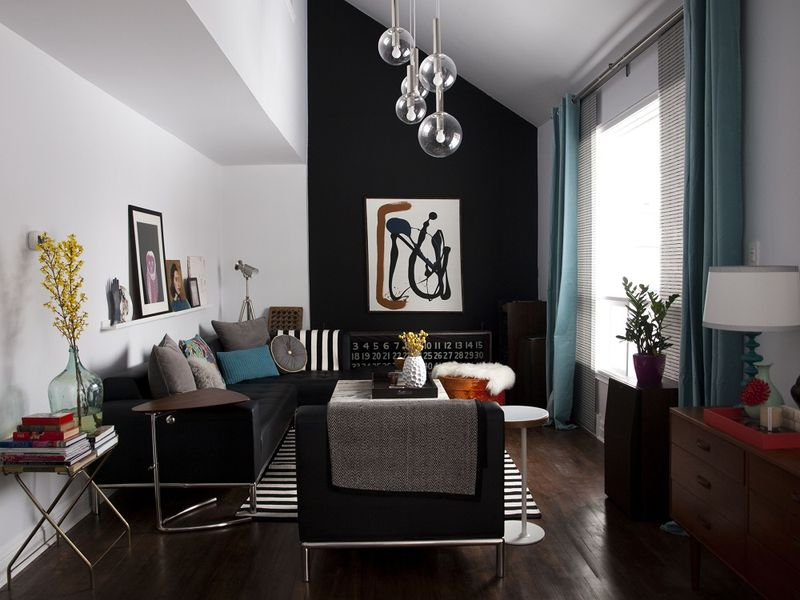 Love the black wall and hanging lights