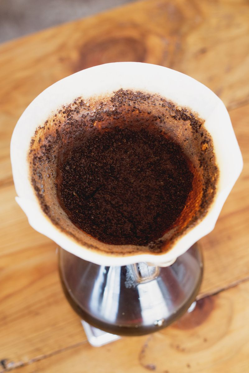 How to brew with a chemex.