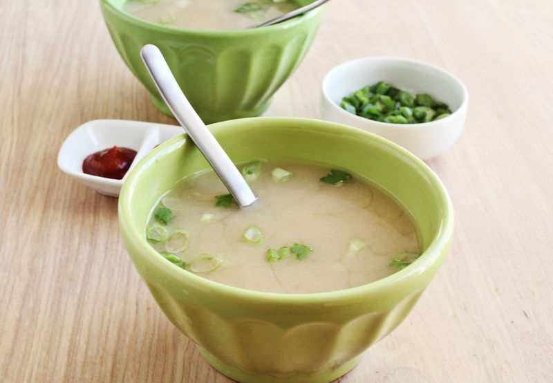 Easy homemade miso soup