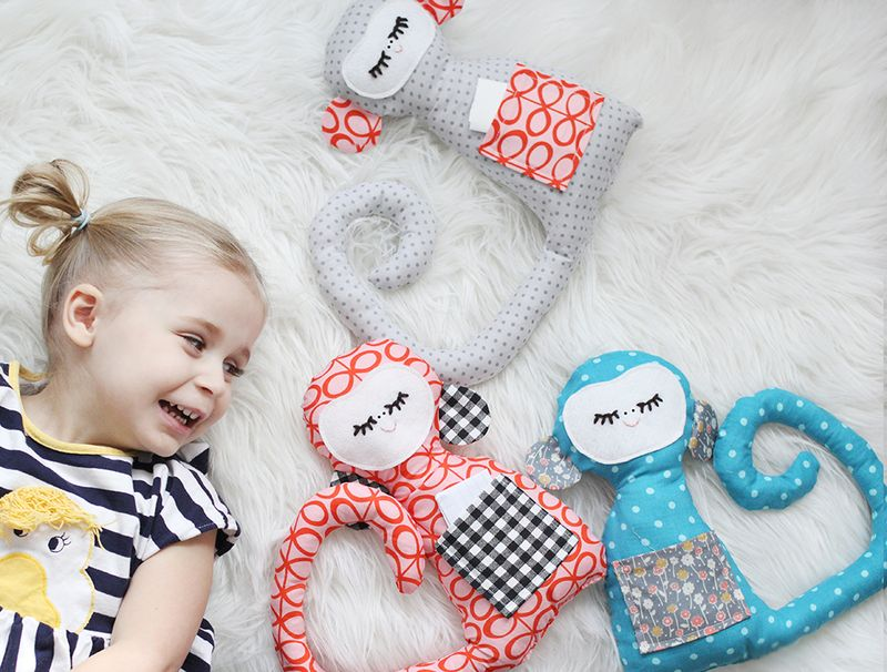 Adorable plush monkey tutorial with free pattern