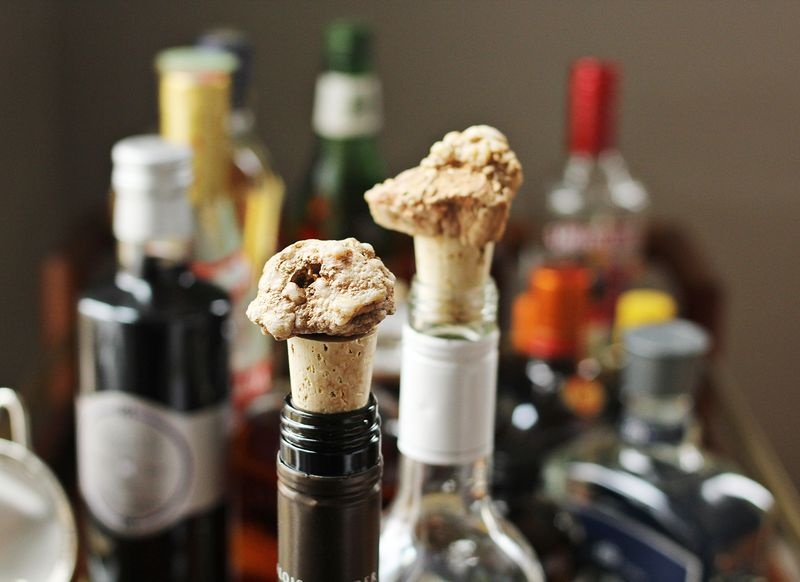 Geo wine toppers