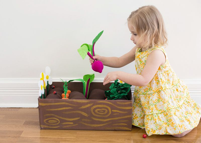 DIY Plantable Garden Box (click through for instructions)