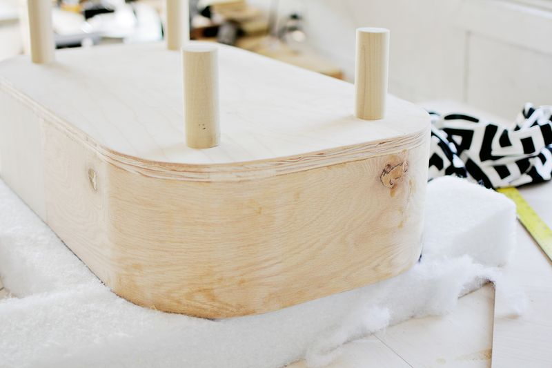The Sadie bed - tracing material (how to make a modern pet bed. click for more)