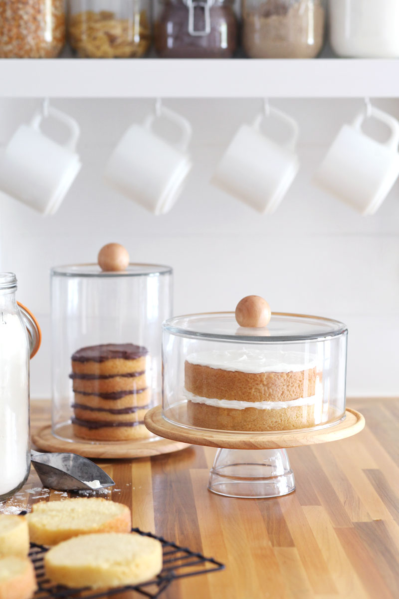 These elegant glass domes couldn't be easier to make! Click through for the simple instructions.