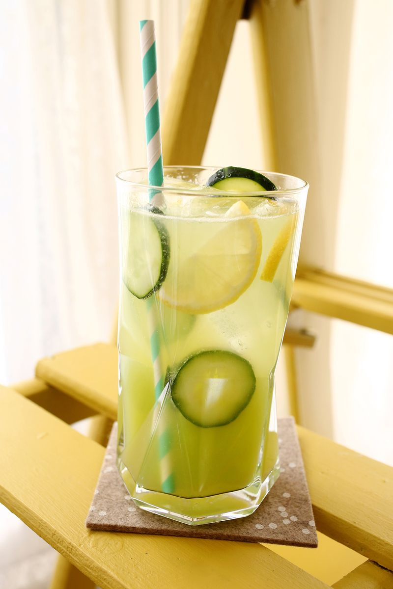 Cucumber Lemonade (with Gin!) click though for the full recipe!