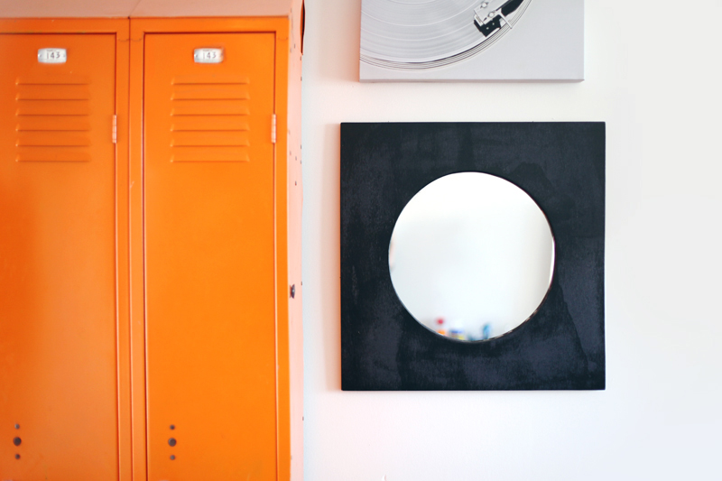 Make this bold and modern mirror for only $28! Click through for detailed instructions.