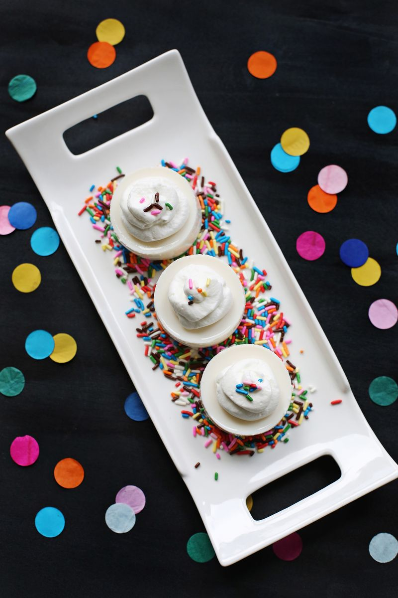 Yes please! Birthday Cake Jello Shot (click through for recipe)