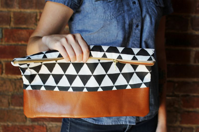 Cotton and leather clutch purse DIY