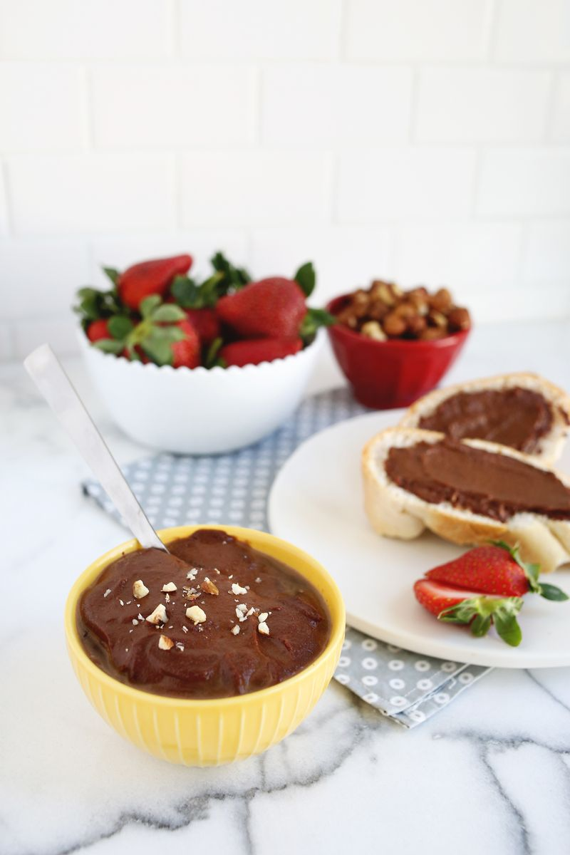 Homemade nutella (no dairy or added sugar!)