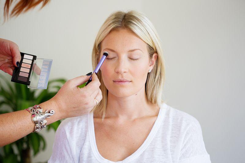 Get perfect cat eye eyeliner