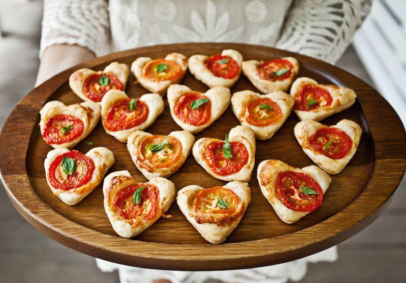 Cheesy tomato tarts