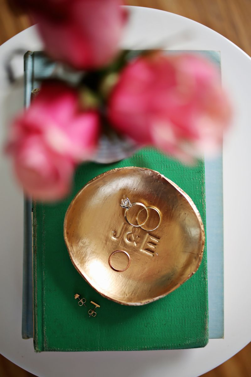 Bronze ring dish