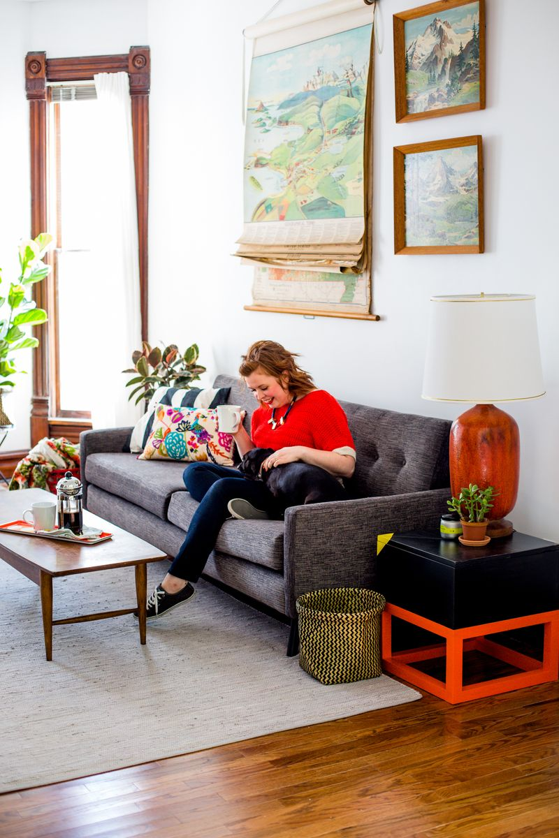 Sarah's living room tour!