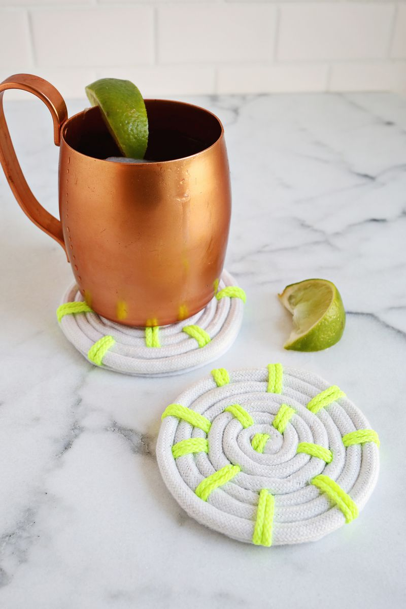 Easy Rope Coaster DIY (click through for tutorial)