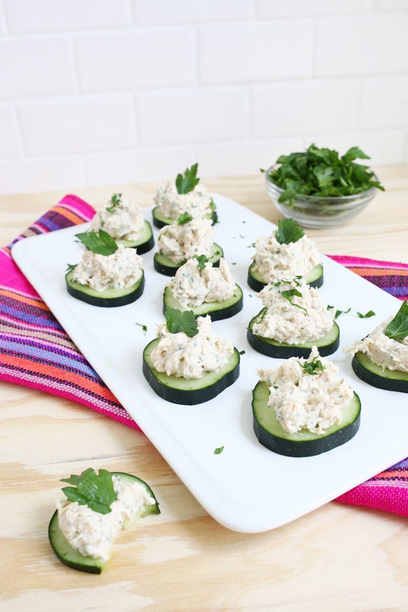 Creamy chicken dip-so good and so easy to make! (click through for recipe)