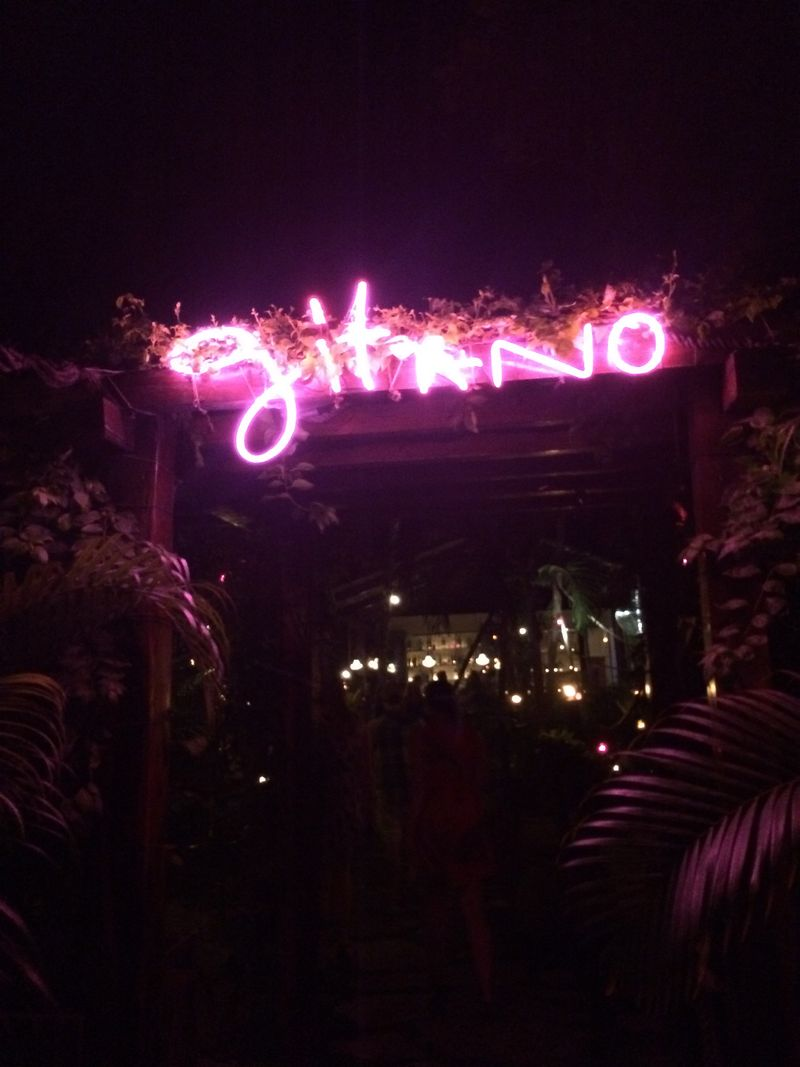 Gitano sign