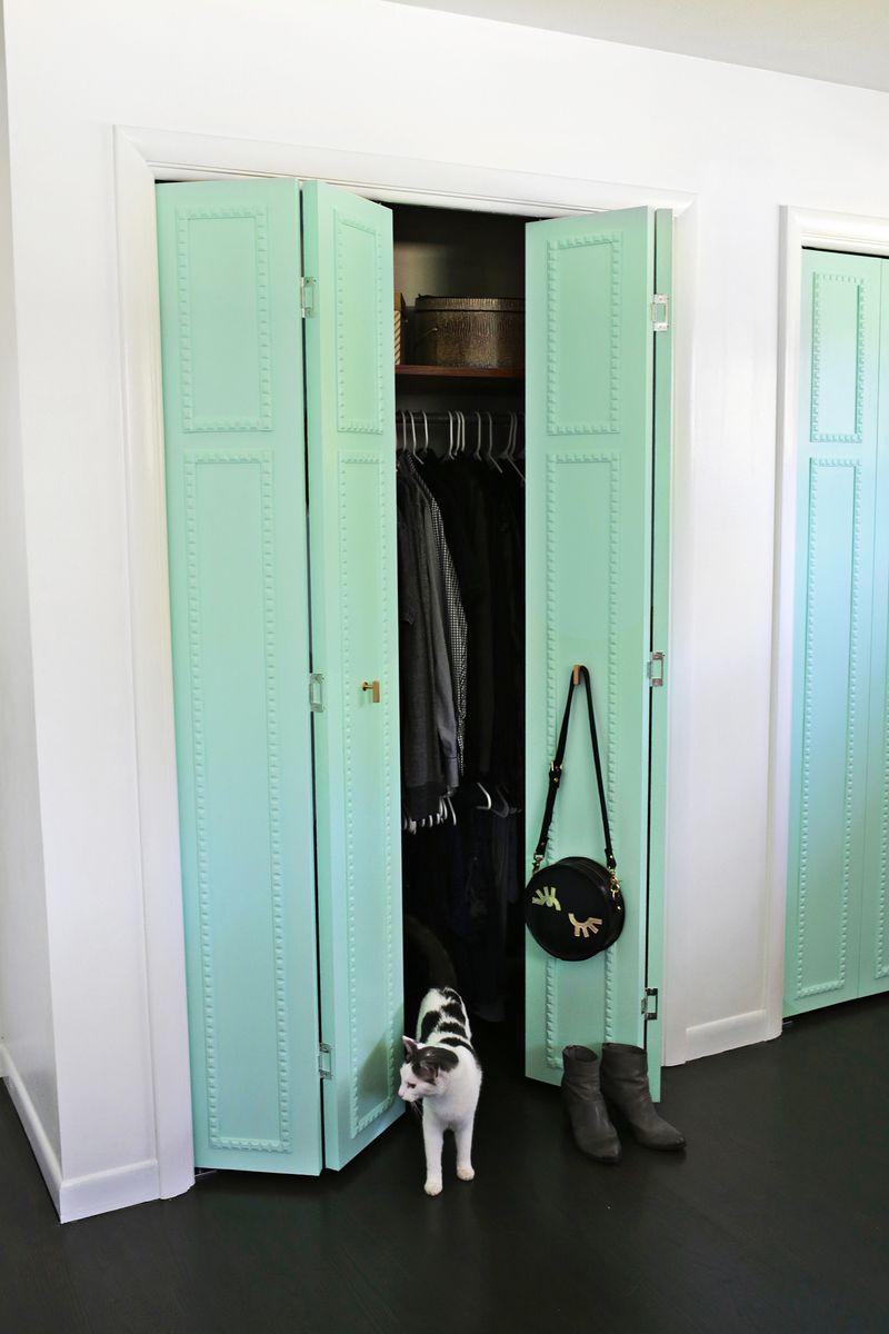 ... Customize Your Closet Doors With Trim So Pretty! (click Through For  Tutorial)