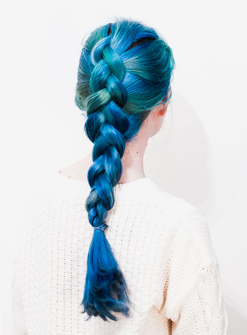 How to dutch braid your hair (click through for the full tutorial)