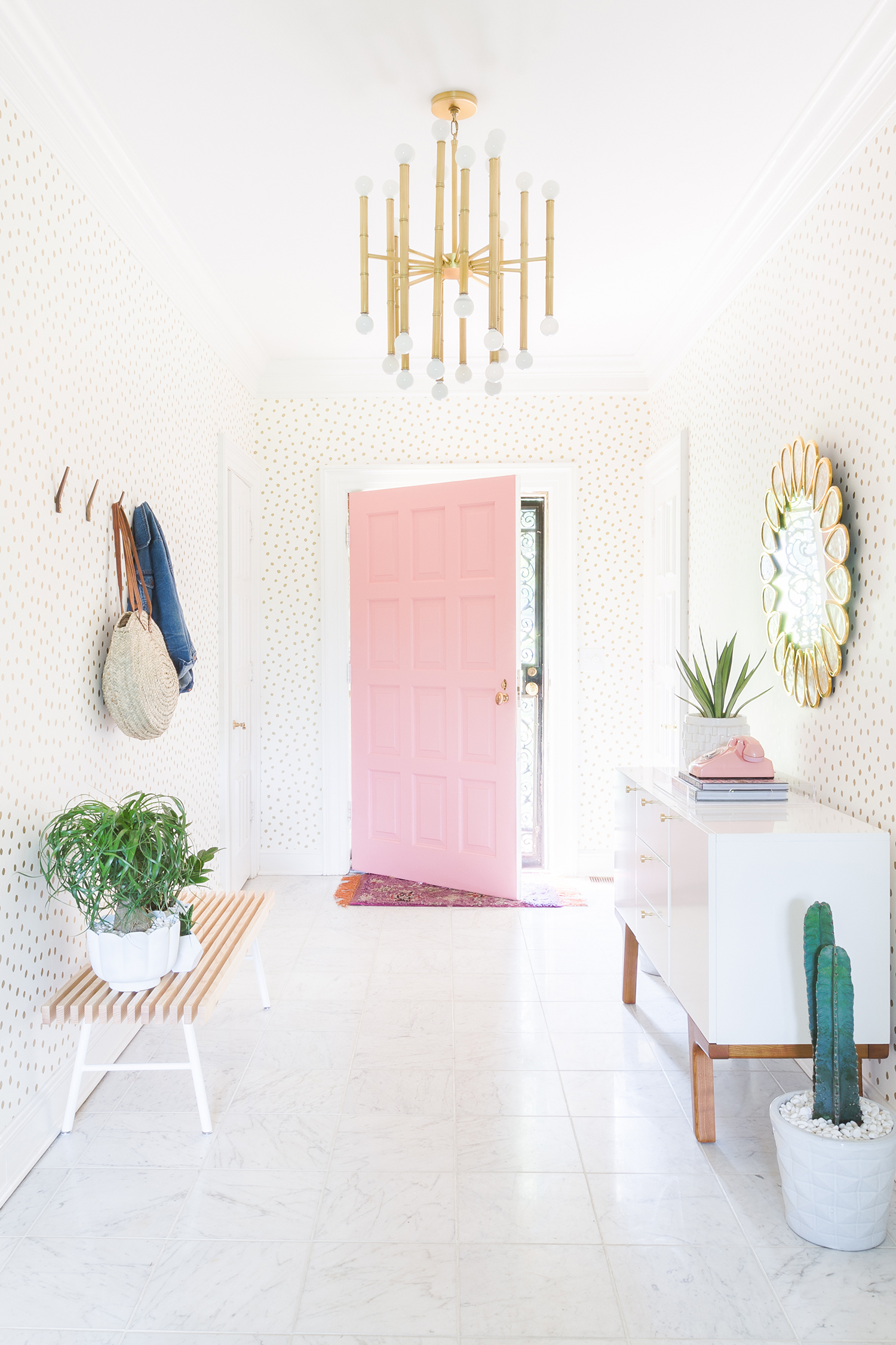 Entryway + blush pink door ©AlyssaRosenheck