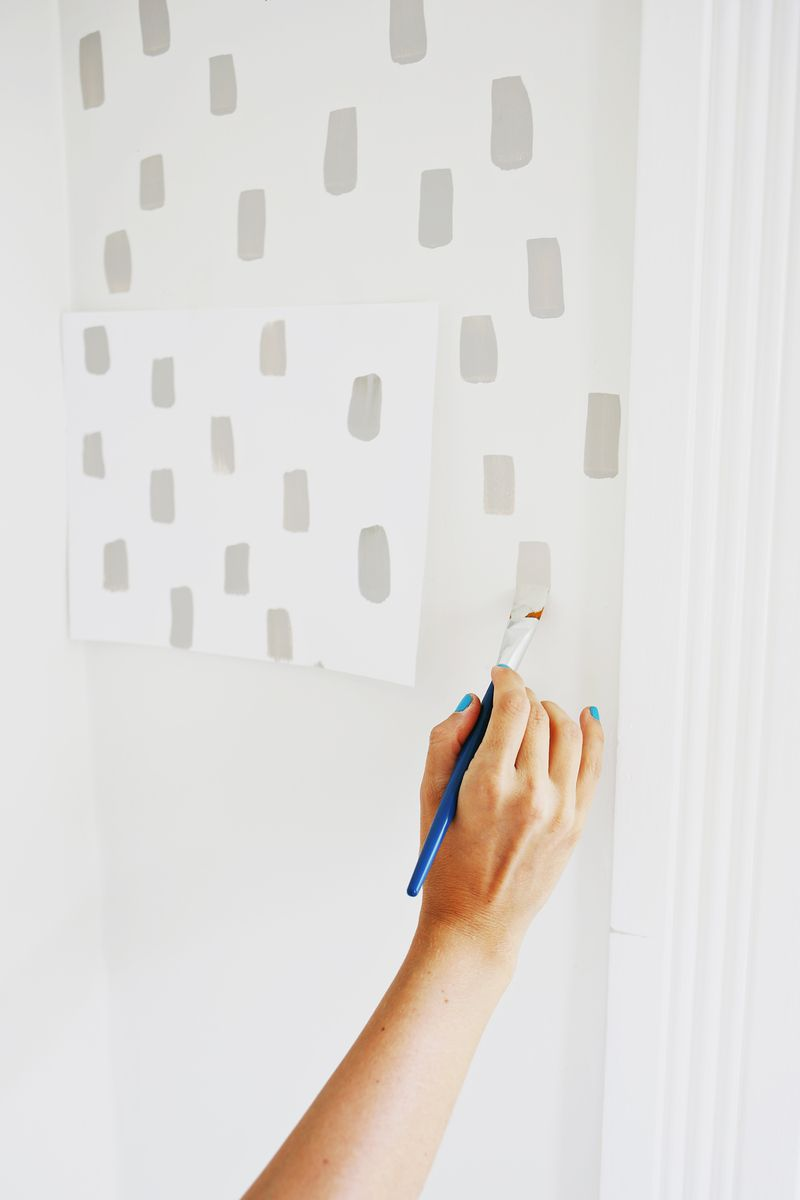 Easy door update and statement wall! Love this (click through for tutorial)
