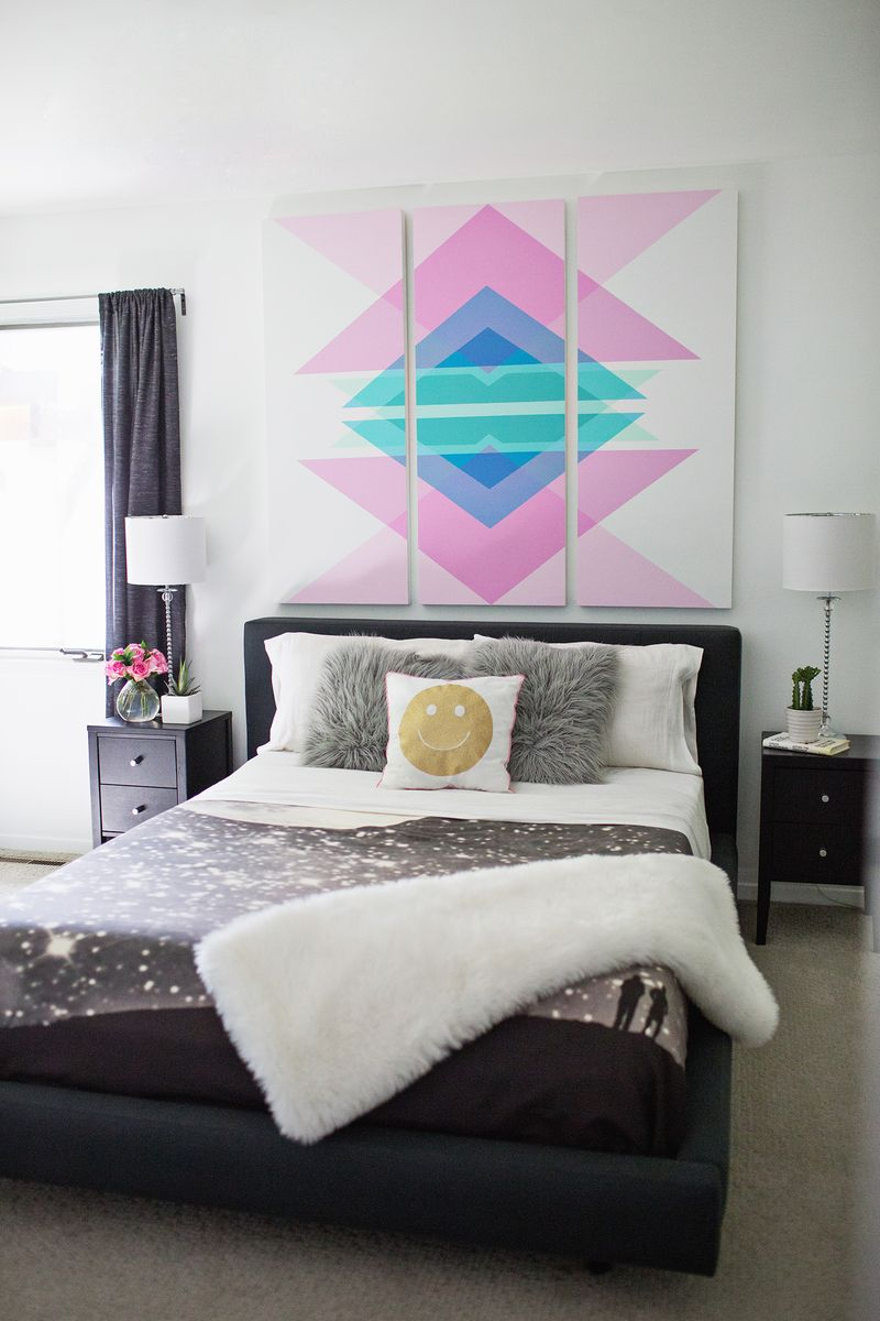 Geometric art headboard panels (click through for tutorial)