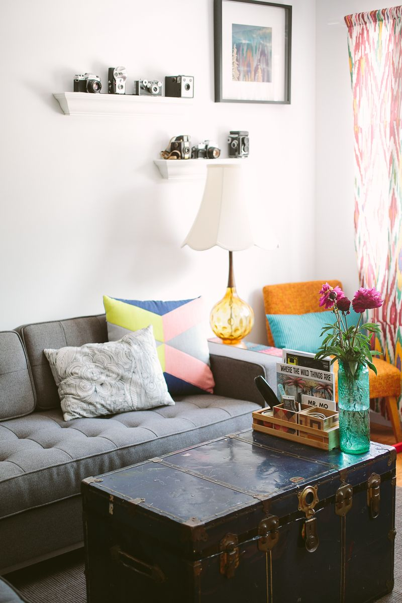 Love the pops of color in this space!