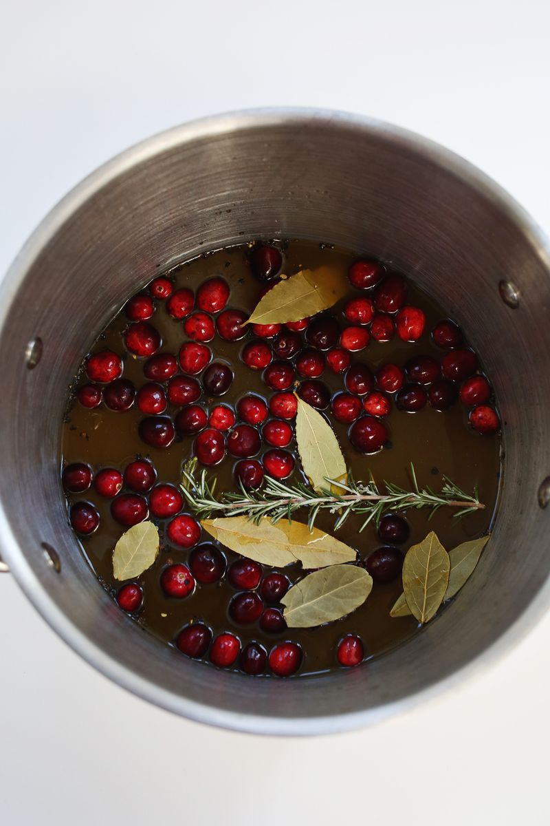 Cranberry and white wine brine