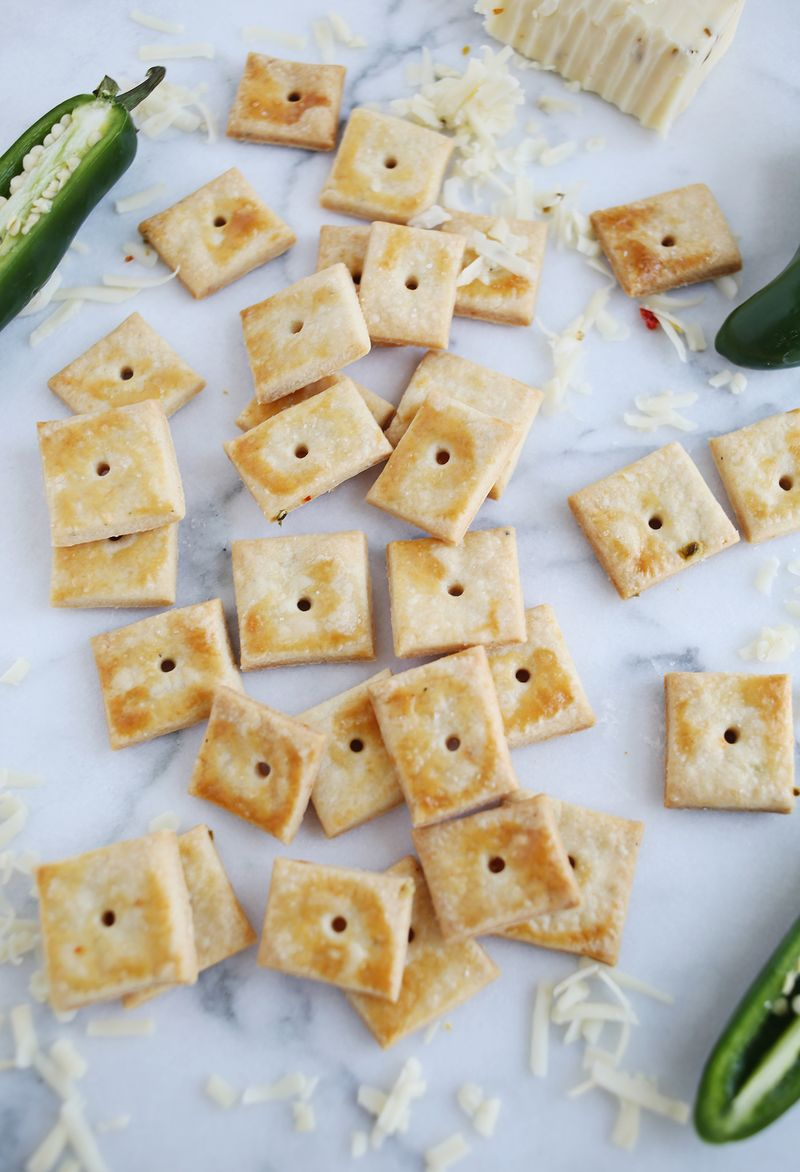 Homemade cheez it crackers (with pepper jack cheese!)