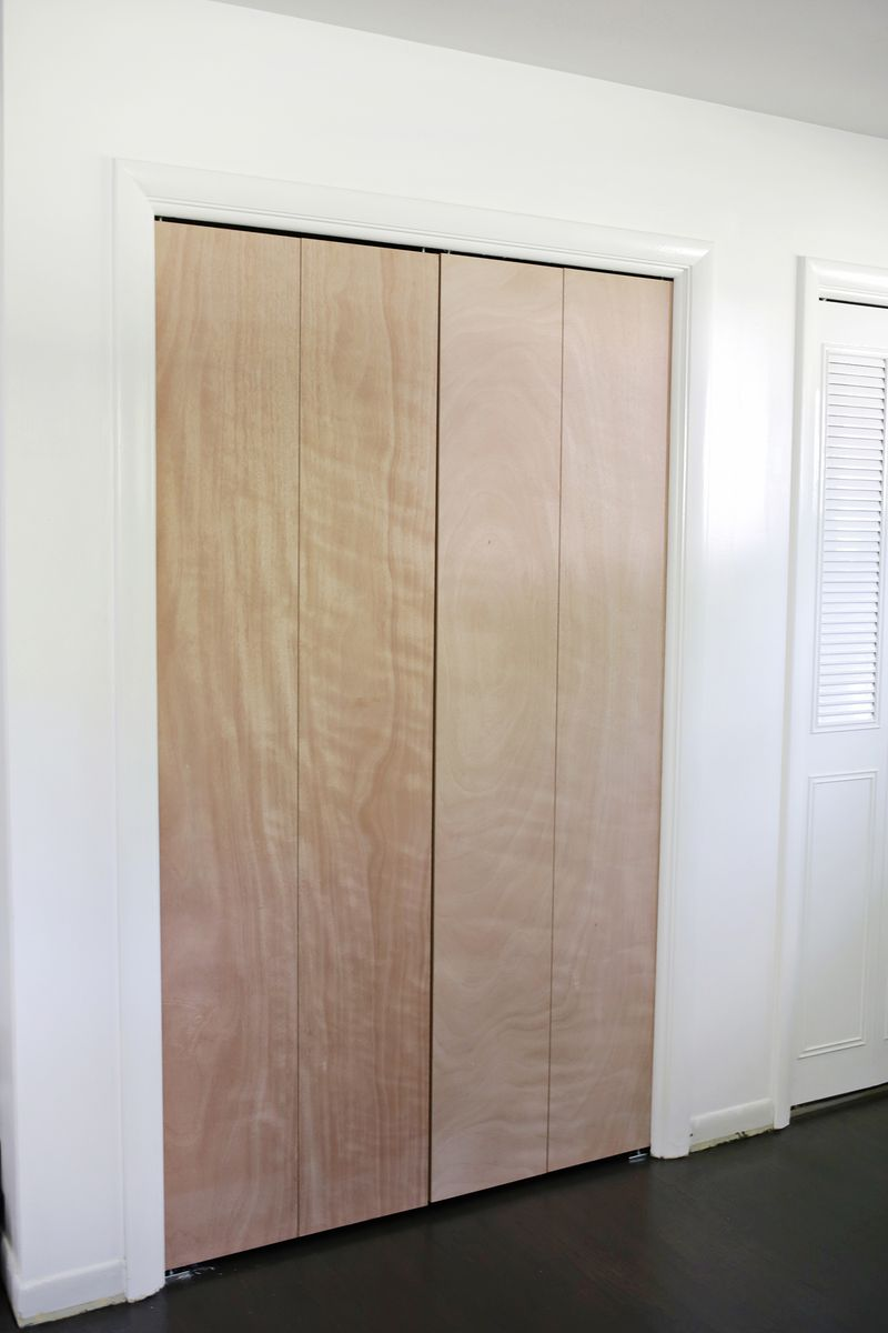 Customize your closet doors with trim-so pretty! (click through for tutorial)