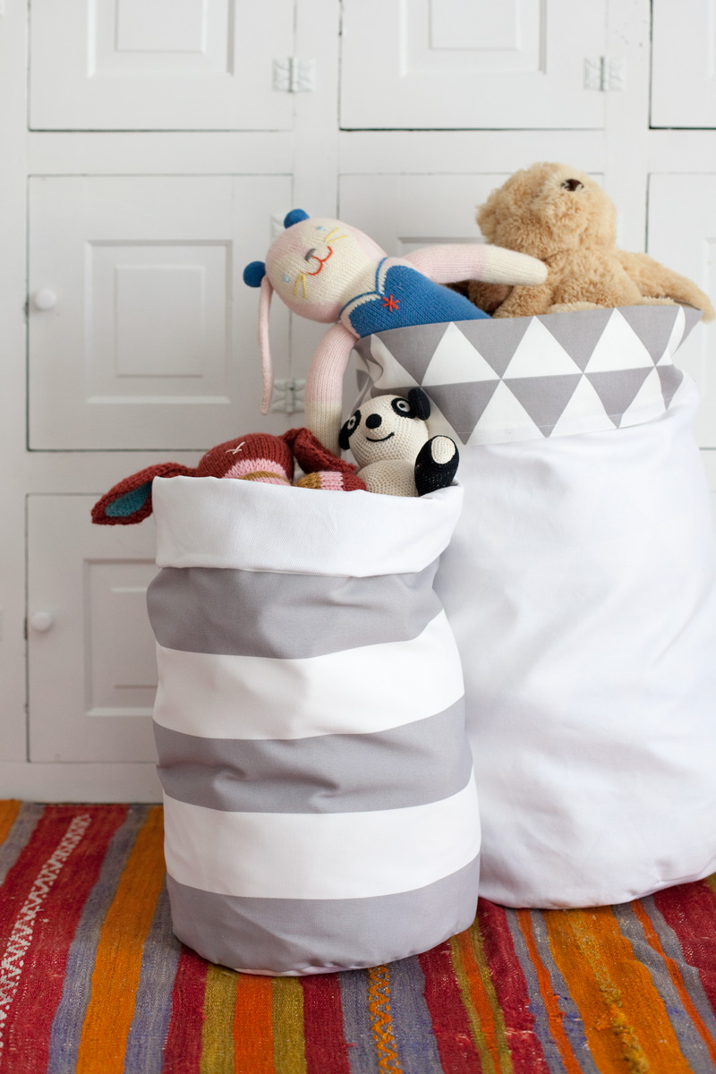 Easy DIY Fabric Storage Bins