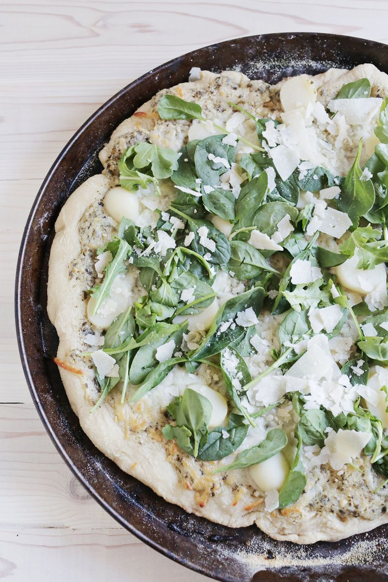 Creamy pesto potato pizza (via abeautifulmess.com)