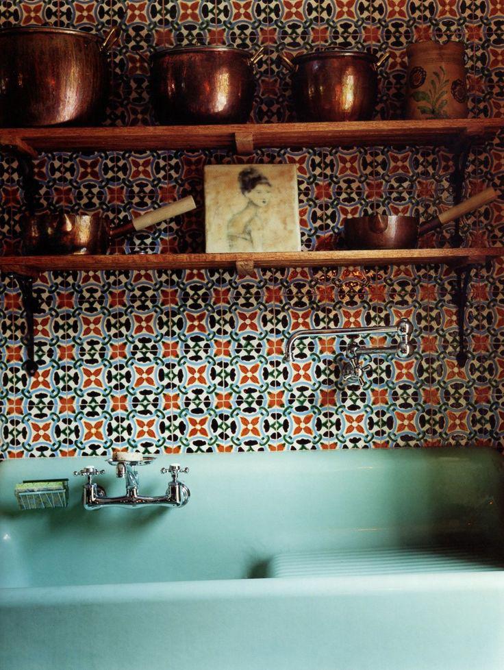 Tiled-kitchen-backsplash