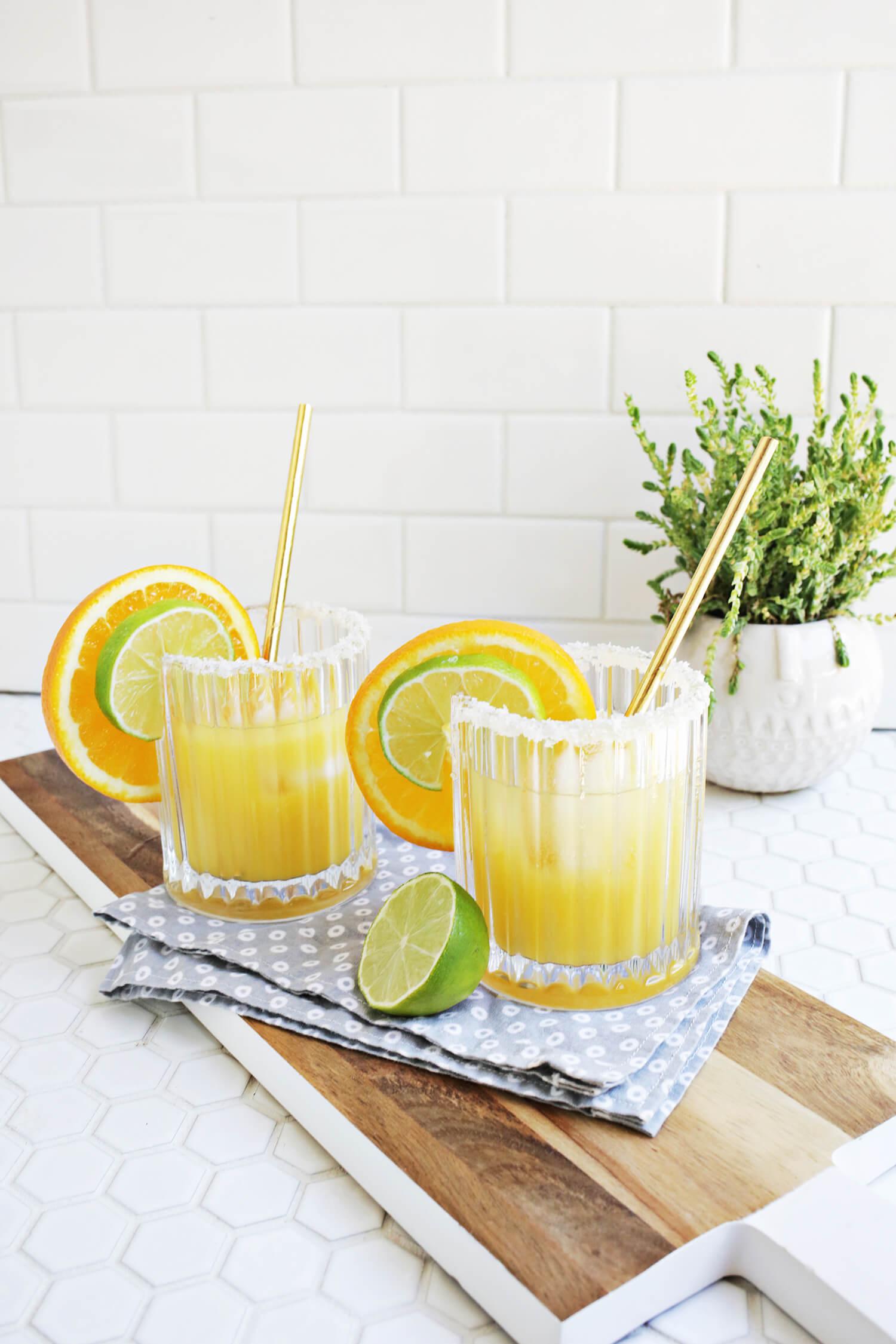 Perfect for summer! orange mango margarita (click through for recipe)