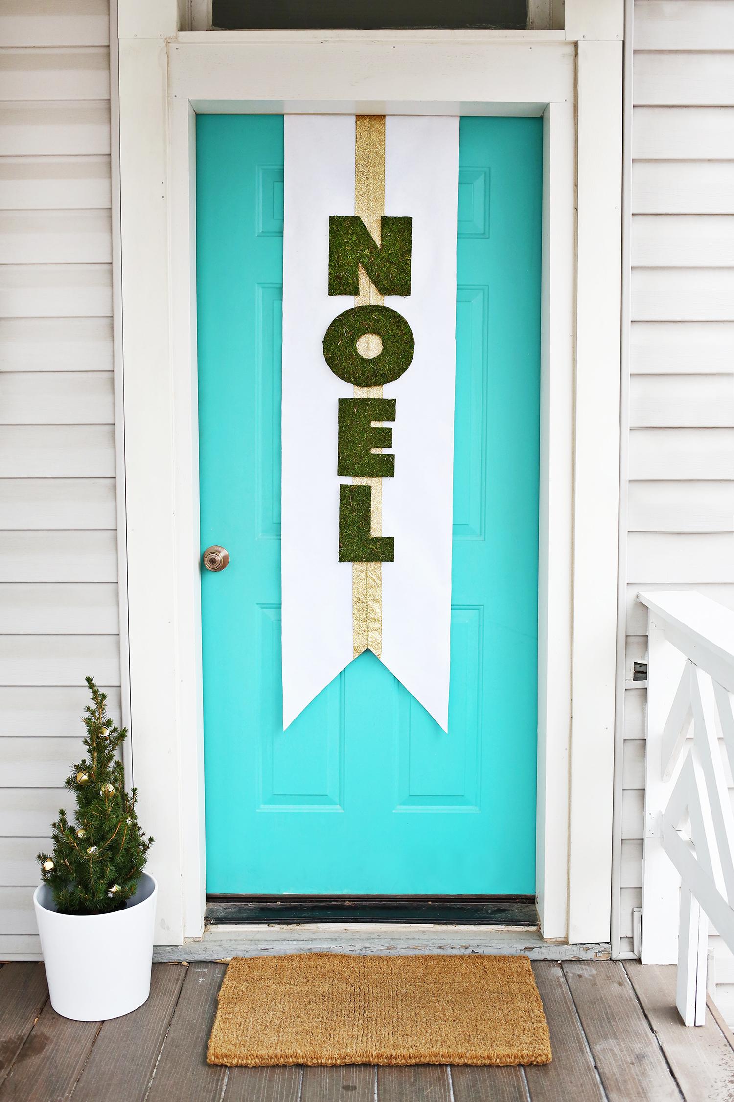 Holiday Door Banner DIY