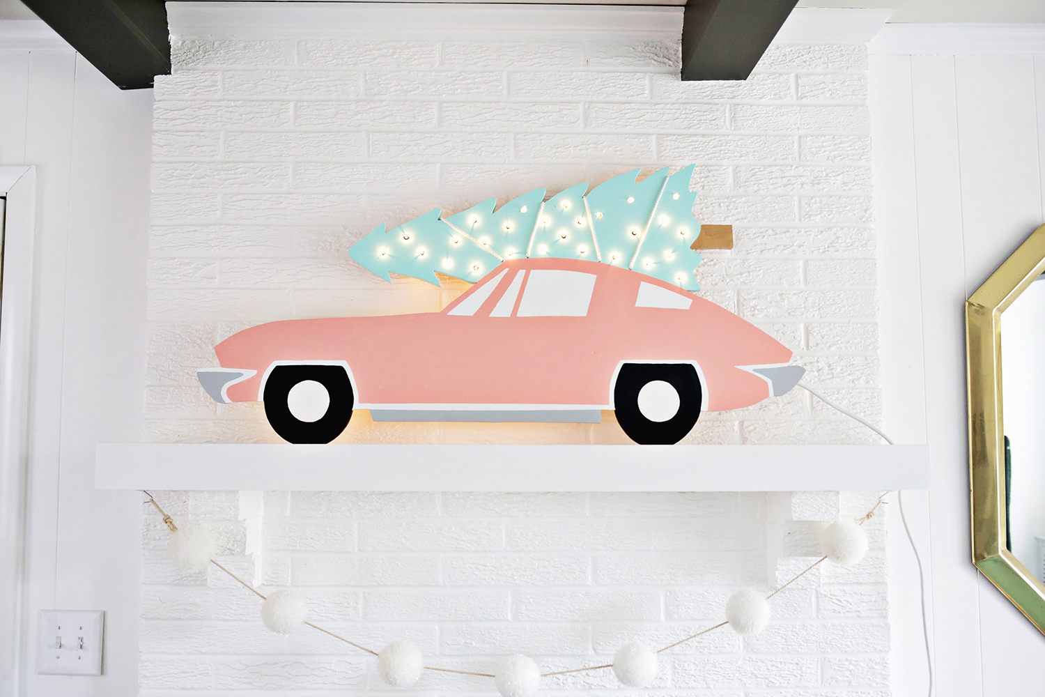 Adorable! Vintage Car with Tree Marquee DIY (click through for tutorial)