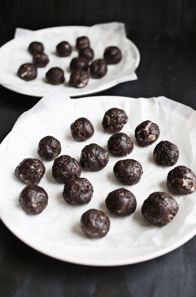 Einfache Trüffel aus Schokolade (Oreo)